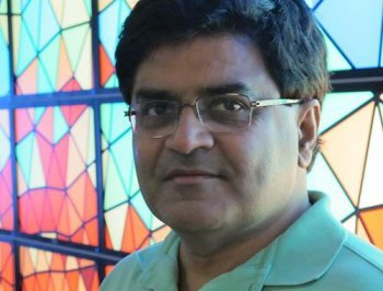 Keshav Pingali is the director of ICES' Center for Distributed and Grid Computing
